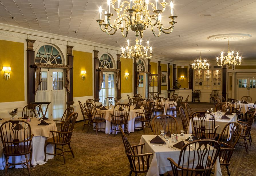 The Terrace Offers Bountiful Breakfast And Lunch Buffets Overlooking 18th Green Elegant Dining Room Features Signature Menus That Vary Nightly